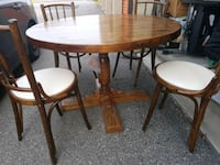 Round table and 4 chairs Toronto, M1K 2B5