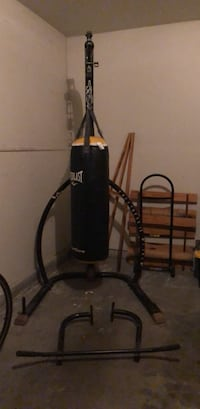 punching bag and stand Clovis, 93611