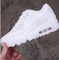 Helt nya nike air max 90 (GS) leather Stockholm, 123 49