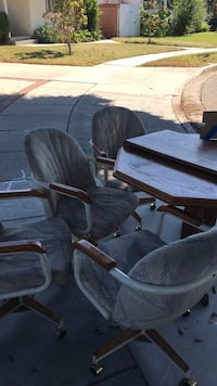 4 chairs and a table Long Beach, 90815