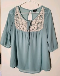 Ladies Blouse, Size: Small, $6 Bakersfield, 93309