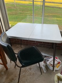 Old table and 4 chairs. Great shape Hagerstown, 21742