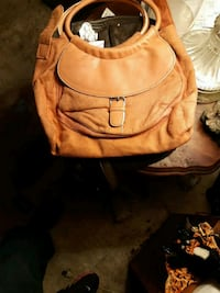 Orange leather purse London, N5Y 4J7