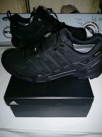 pair of black Nike running shoes with box Sacramento, 95821