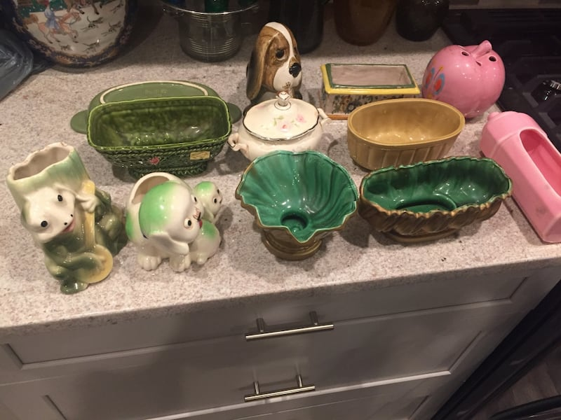 12 old pottery pieces c4ad1c09-6b79-4e13-958f-af455b36916a