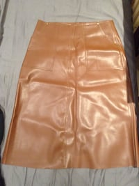 Oak and fort leather skirt brand new  Vancouver, V5Y