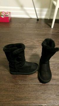 Boots gently used . Size 13 Oakville, L6M 3W1