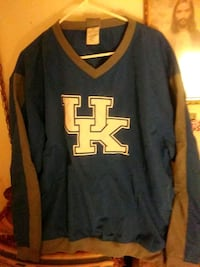 Large 42/44 UK pullover with Side two Pockets