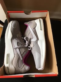 Young size 7Y or women's size 8 Murfreesboro, 37130