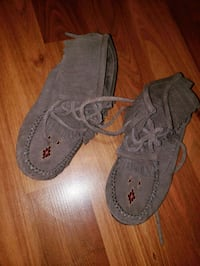 Brown Manitobah Mukluks Ankle Boots London