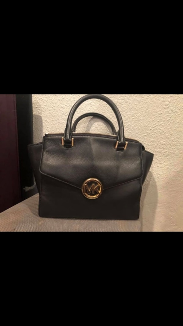 Used Michael kors bag. Like new! for sale in Campbell - letgo f5cfe9bc0bf0b