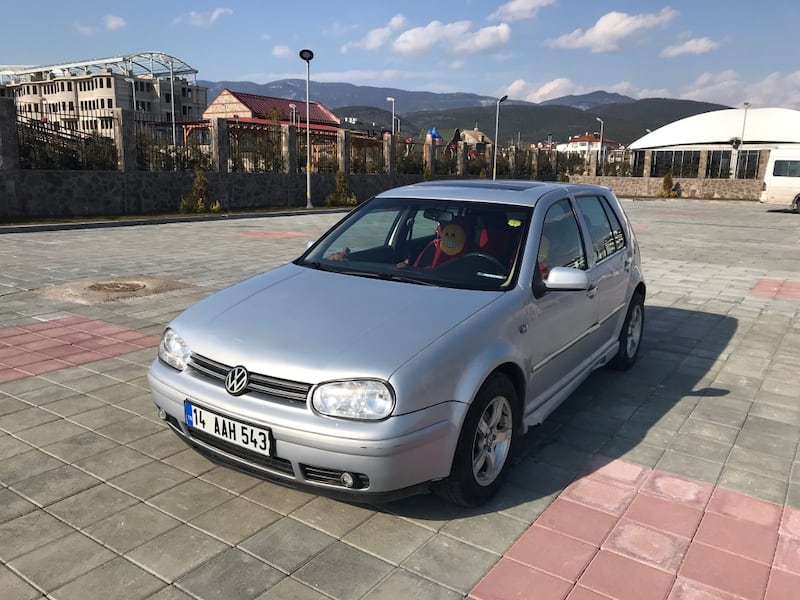 Volkswagen - Golf - 2000 35891b7c-df74-46aa-be94-5a06241c4b25