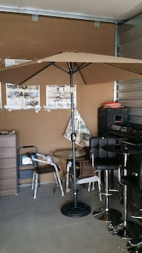 UMBRELLA WITH BASE (BRAND NEW) Perris, 92571