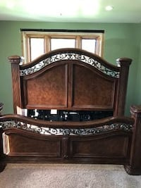 King Cherry Bedroom Set PITTSBURGH