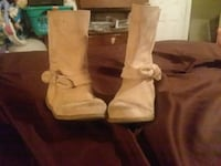 pair of brown leather boots Laurel
