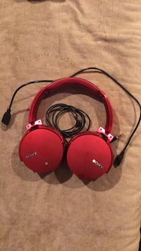 Red wireless/cordless headphones Frederick, 21704