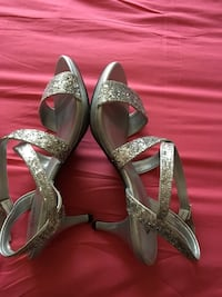 pair of gray glittered open-toe ankle strap heeled sandals Laurel, 20708