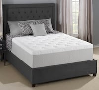 "King size 12""inch gel Memory Foam Mattress Serious people only please don't text me if your a not serious Renton, 98004"