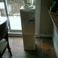 gray hot and cold water dispenser Blainville, J7C 3T1