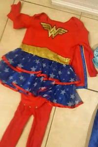 wonder woman and Anna frozen costume Brampton, L7A 3G5