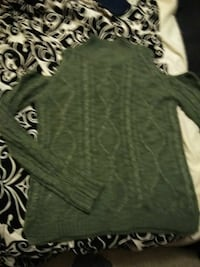 Green cable knit shoulderless sweater size medium