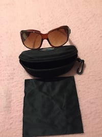 Ladies sunglasses with cleaning cloth and case Abilene, 79606