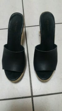 pair of black leather open-toe heeled sandals 557 km