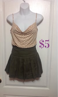 Army green mini skirt: Size XS