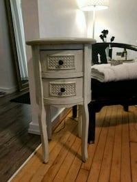 Vintage classic accent side table w/ 2 drawers 572 mi