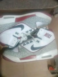 Used Nike, size 9.5 shoes Lincoln, 02838