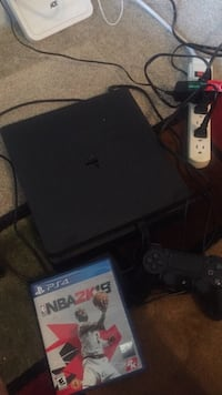 PS4 with controller + 2 games  Fairfax, 22030