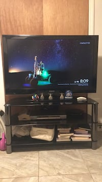 Television  dvd and google crome  $350 Elmont, 11003