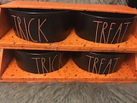 Rae Dunn TRICK TREAT pet bowl set  Fort Erie, L2A 2N2