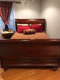 Queen size Sleigh Bed Charlotte, 28212