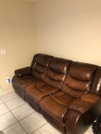 Leather couch with recliner Sweetwater, 33174