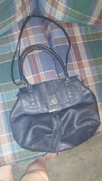 women's black leather shoulder bag Welland, L3B 5Y2