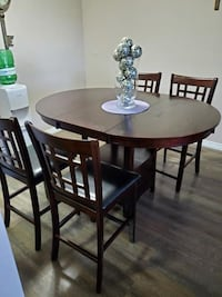 DINNING TABLE AND 4 CHAIRS TORONTO