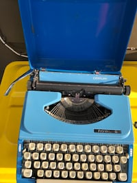 Typewriter in a box, antique Stillwater, 74075