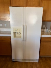 white side-by-side refrigerator with dispenser Las Vegas, 89118