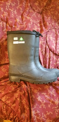 Insulated steel toe rubber boots. Men's 10