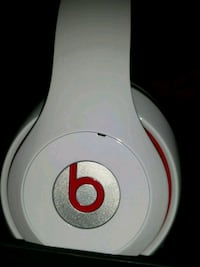 WIRED Genuine beats studio wired Headphones Toronto, M6M 2N1