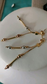 GOLD FILL10K TRICOLOR EARRING. NOT PLATED. R Calgary, T3G 4A5