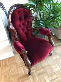 Accent Chair / Arm Chair Antic  Vancouver, V6C