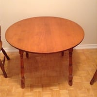 round brown wooden coffee table Toronto, M9C 1E1