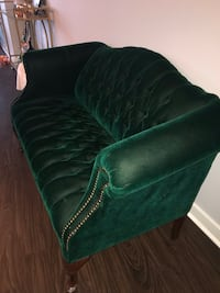 Green velvet tufted sofa Washington, 20009