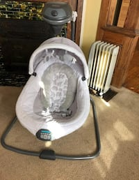 Baby's white and gray cradle and swing Springfield, 45504