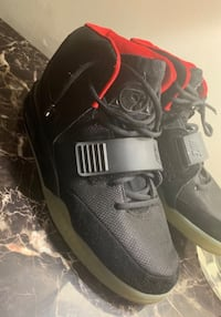 "Nike air ""YEEZY"" size: us 10"