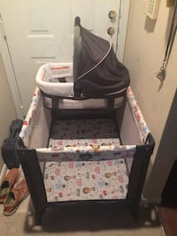 Baby's black and white pack n play Plano, 75024