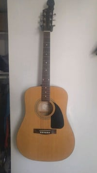 Fender acoustic guitar with tuner and gig bag Huntington Beach, 92648