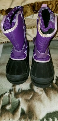 Purple snow boots  Woodinville, 98072
